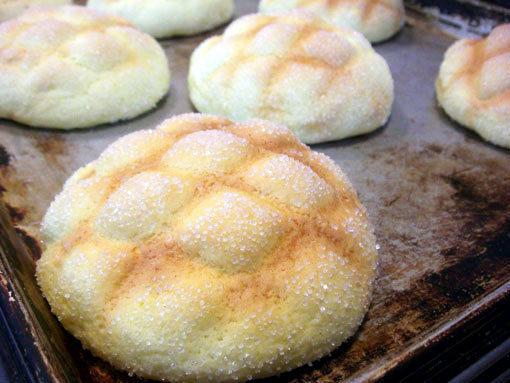 このメロンパン、クッキーの部分がカリッとしてておいしそう~