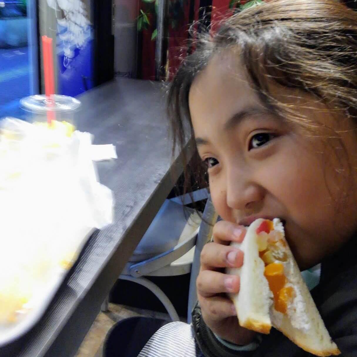 店チョさんへ。娘はトントンさんのパンをまた食べられる!と喜んでいました