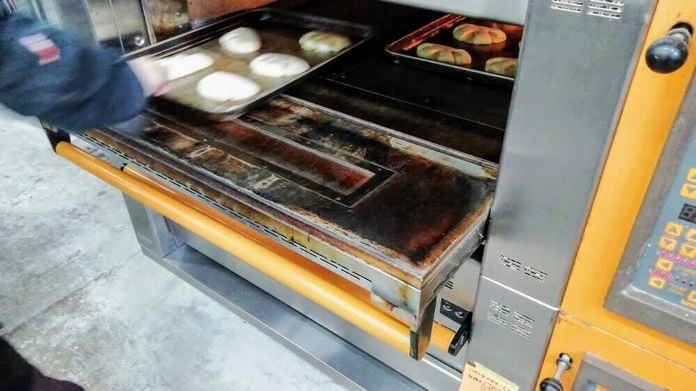 ごま豆腐屋さんに作ってもらった豆乳クリーム。アレルギー対応のパンにしてみたら・・・