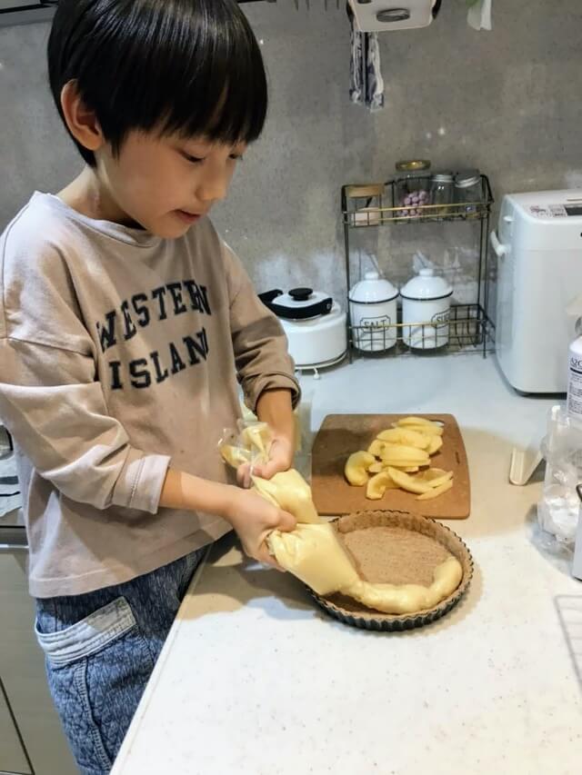 お家でシュークリームとタルト作り!