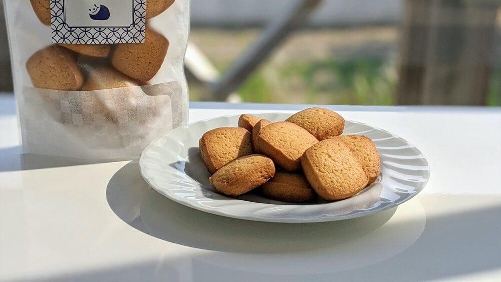 トントンのクッキー第四段が完成。味のないアレルギー対応クッキーです(笑)