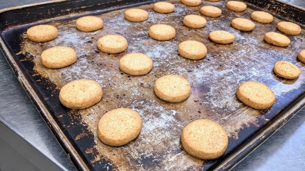 国産いちごのみを使った安心安全のアレルギー対応いちごクッキーが完成!