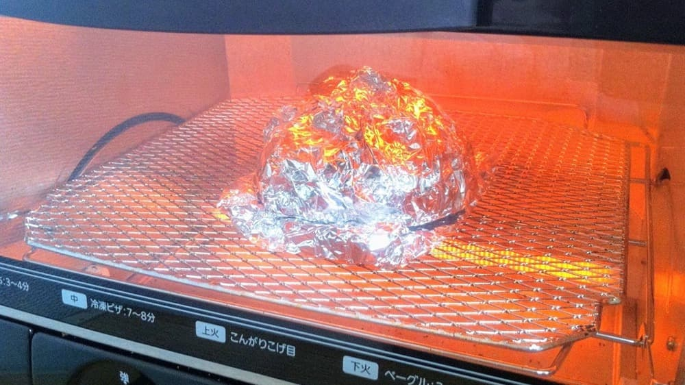 冷凍パンを焼き立てパンに戻す方法