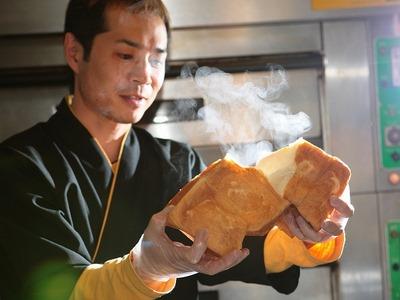焼きたての食パンを召し上がったことありますか?店チョはあります(笑)