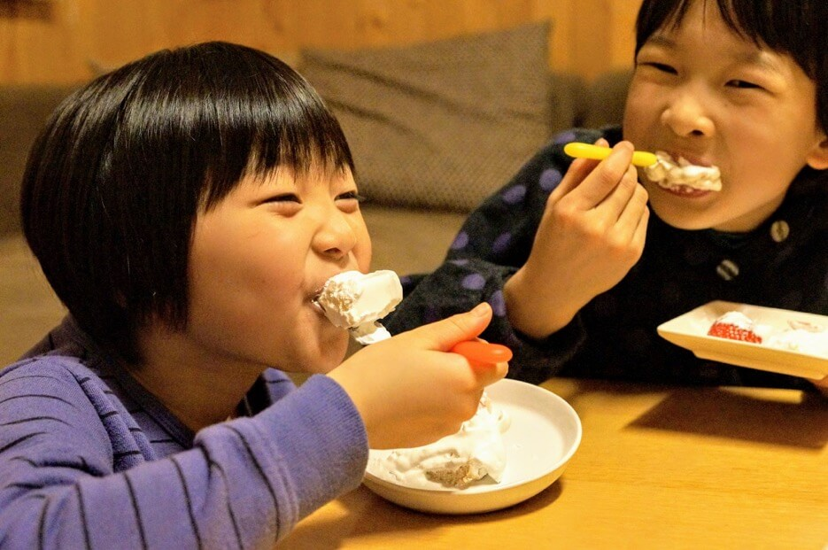 スポンジケーキ風のパンと豆乳ホイップクリームのセット【卵・乳アレルギー対応】