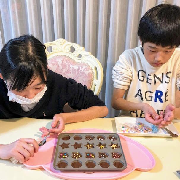 お友達も自分も食べられるチョコで作ることができました